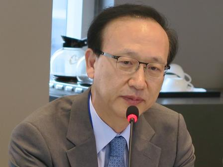 Dr. In-Taek Hyun, former Minister of Unification